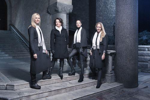 Nobelstudions programledare Victoria Dyring, Anna Hedenmo, Jessika Gedin och Ebba Kleberg von Sydow. Foto: Karl Nordlund